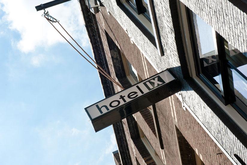 hotel-ix-signage